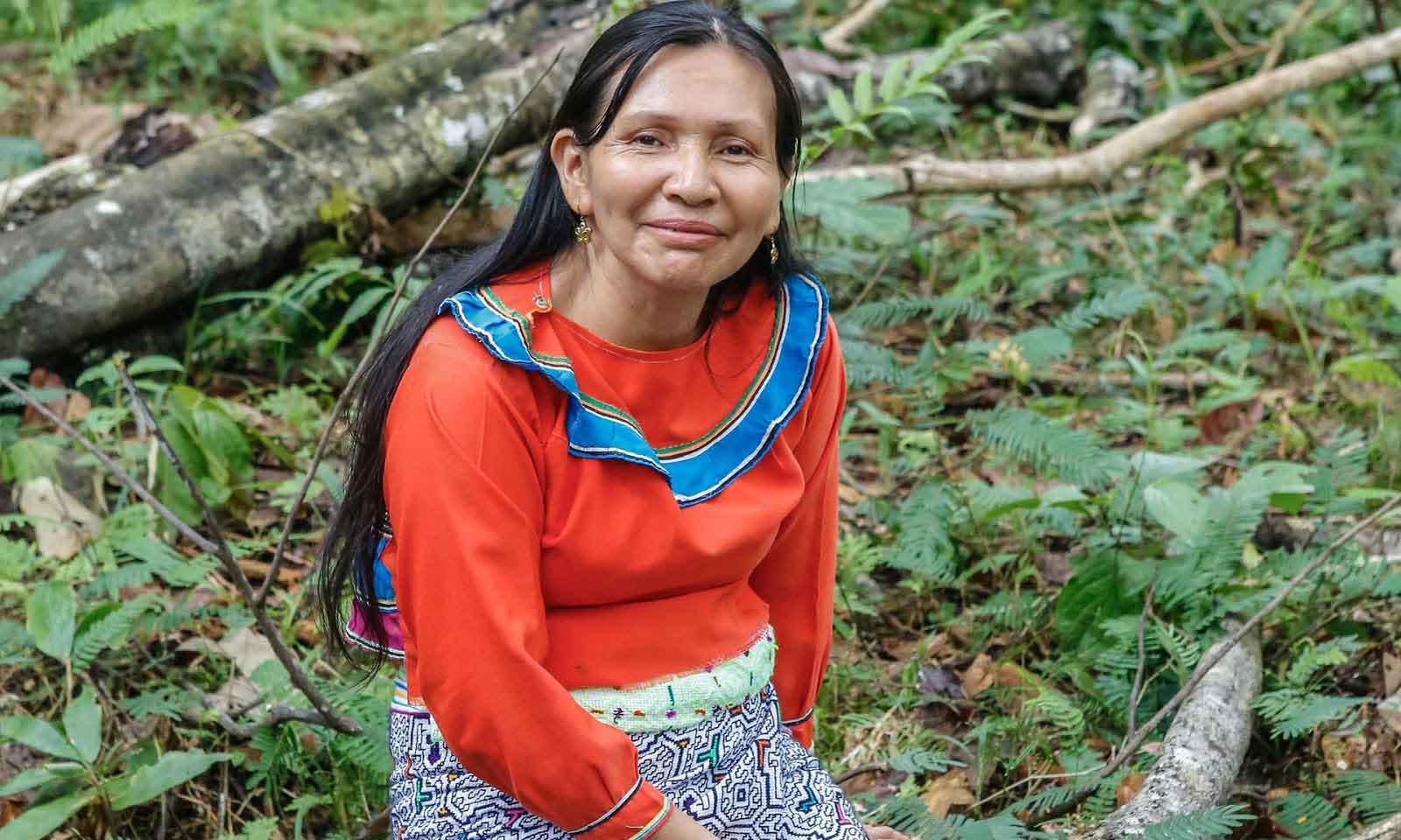 Elena Valera Vasquez - A Shipiba Maestra working with Ayahuasca