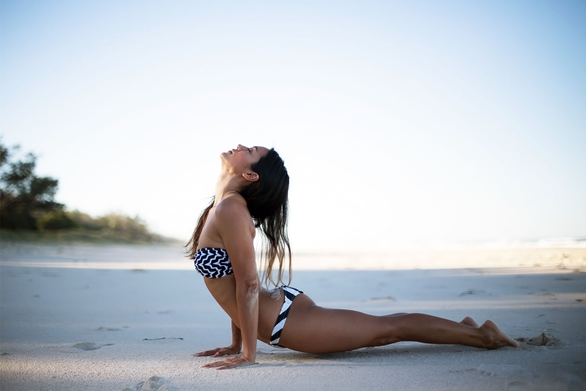 kayla itsines bianca cheah yoga