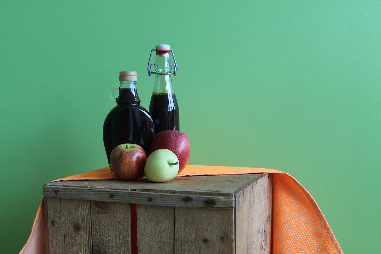 Autumn Lovers' Apple Molasses! Learn How Easy It Is To Make This Healthy Alternative To Processed Sugar!