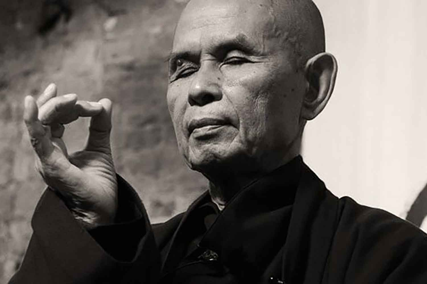 27 Awakening Quotes from Zen Master Thich Nhat Hanh