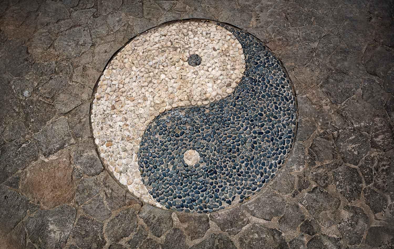 yin yang mosaic