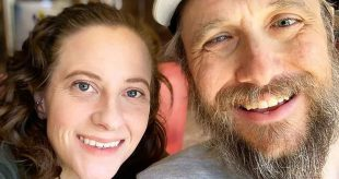 Woman Who Can't Walk Teams Up with Blind Man for Hiking Adventures: